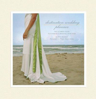 Destination Wedding Planner: The Ultimate Guide to Planning a Wedding from Afar (Record book)