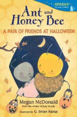 Ant and Honey Bee: A Pair of Friends at Halloween: Candlewick Sparks (Paperback)
