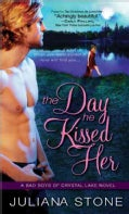 The Day He Kissed Her (Paperback)
