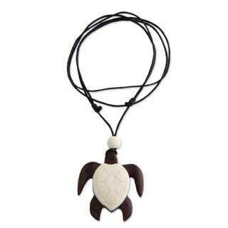 Handcrafted Sono Wood 'Bali Sea Turtle' Bone Necklace (Indonesia)