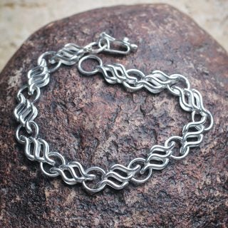 Handcrafted Silver 'Moonlit Sea' Chain Bracelet (Peru)