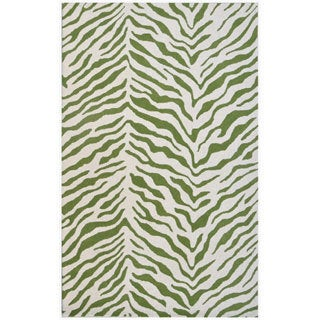River of Goods Tiger Green and White Area Rug (5' x 8')