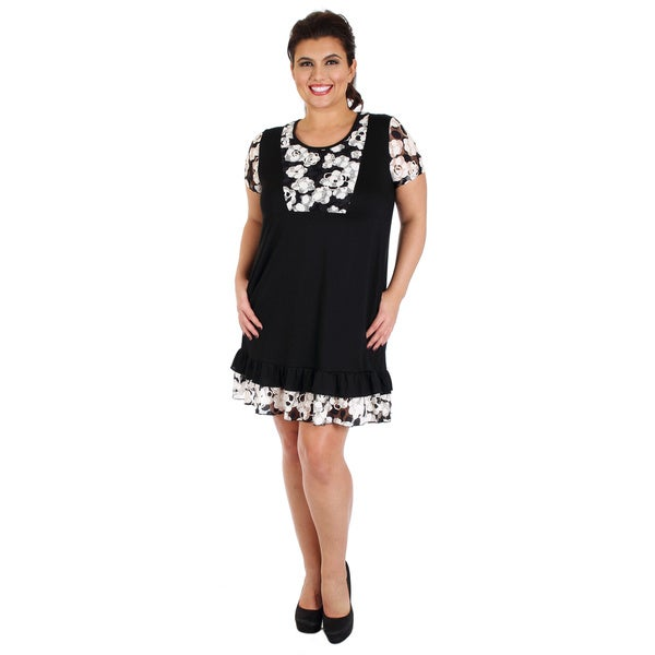 Firmiana Women's Plus-size Short Sleeve Black/ White Floral Pattern Lace Dress with Ruffle