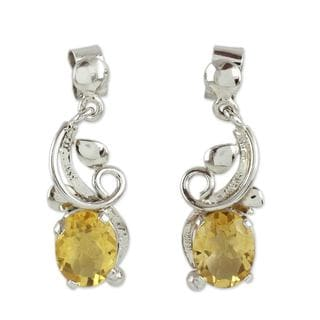 Handcrafted Sterling Silver 'Golden Blossom' Citrine Earrings (India)