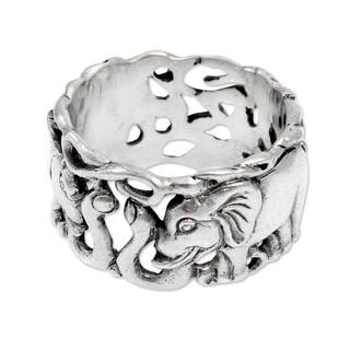 Handcrafted Men's Sterling Silver 'Elephant Romance' Ring (Indonesia)