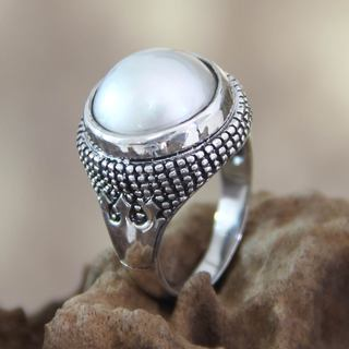 Sterling Silver 'Magical Moon' Pearl Ring (13.5 mm) (Indonesia)