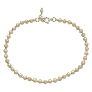 Handcrafted Sterling Silver 'Moon Dew' Pearl Anklet (4 mm) (India)