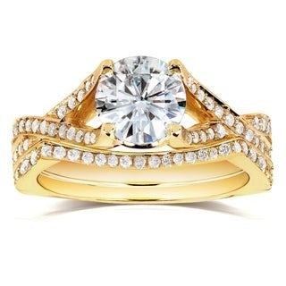 Annello 14k Yellow Gold Round-cut Moissanite and 2/5ct TDW Diamond Bridal Ring Set (G-H, I1-I2)