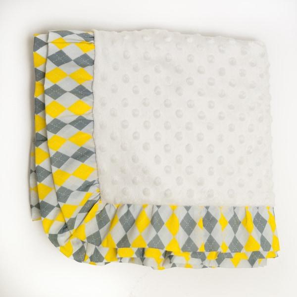 Pam Grace Creations Argyle Giraffe Chenille Baby Blanket