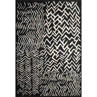 Abstract Black Area Rug (7'2 x 9'2)