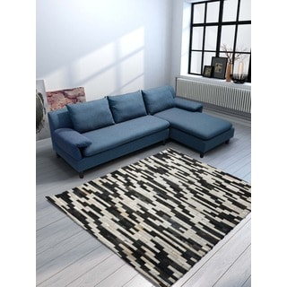 Cowhide Arizona Rug (6'9 x 5)