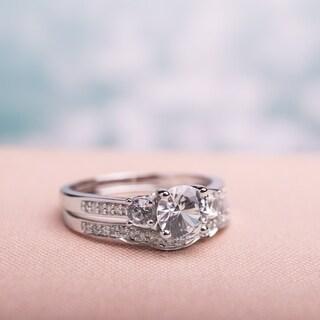 Miadora 10k White Gold Created White Sapphire and 1/6ct TDW Diamond 3-stone Bridal Ring Set (G-H, I2-I3)