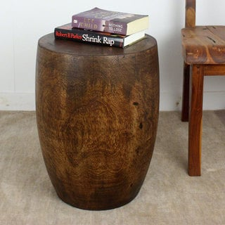 Hand-carved Hand-rubbed Mocha Oil 20 inches High x 15 inch Dia. Mango Merlot Wood End Table (Thailand)