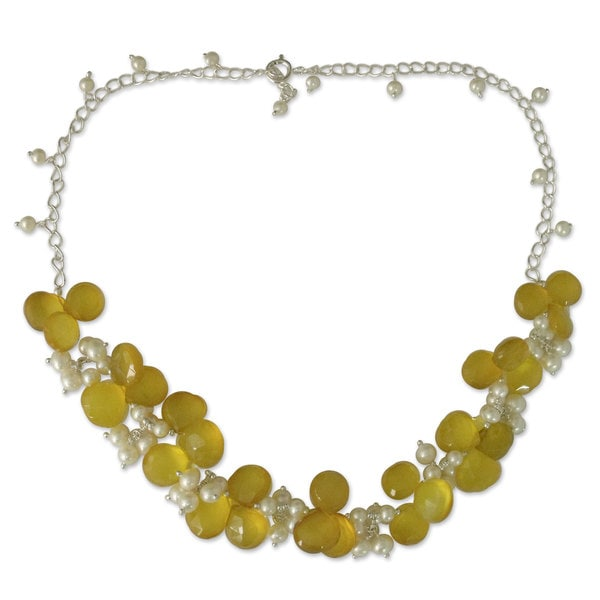 Sterling Silver 'Golden Shimmer' Pearl Chalcedony Necklace (India)