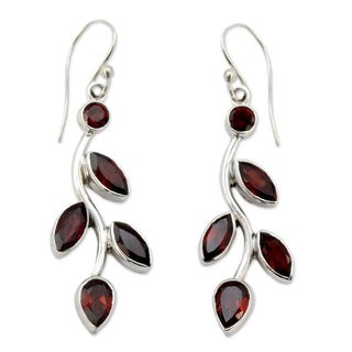 Handcrafted Sterling Silver Scarlet Bouquet Red Garnet Marquise Stone Shape Earrings (India)