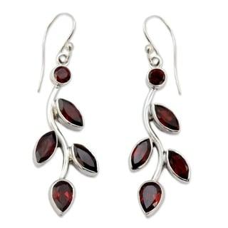 Handcrafted Sterling Silver 'Scarlet Bouquet' Garnet Earrings (India)
