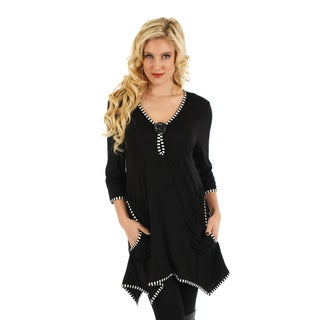 Firmiana Women's Black and White Button-accent Trapeze Hem Tunic