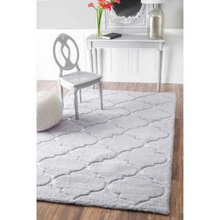 nuLOOM Handmade Geometric Soft and Plush Trellis Grey Shag Rug (7'6 x 9'6)