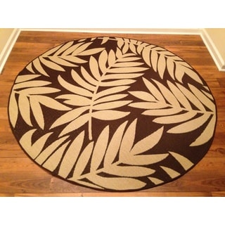 Woven Floral Brown/ Beige Indoor/ Outdoor Rug (6'7 Round)