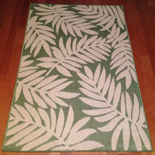 Woven Floral Green/ Beige Area Rug (3' x 5')