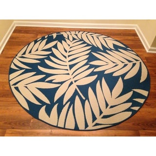 Woven Floral Blue/ Beige Indoor/ Outdoor Rug (6'6 Round)