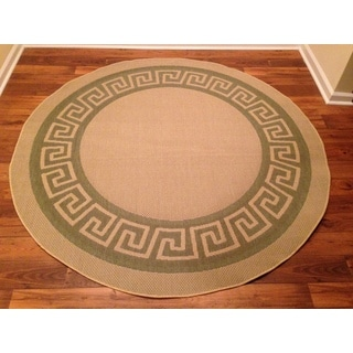 Woven Green/ Beige Indoor/ Outdoor Rug (6'6 Round)
