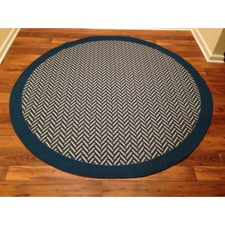 Woven Geometric Blue/ Beige Indoor/ Outdoor Area Rug (6'6 Round)