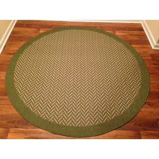 Woven Geometric Green Indoor/ Outdoor Rug (6'6 Round)