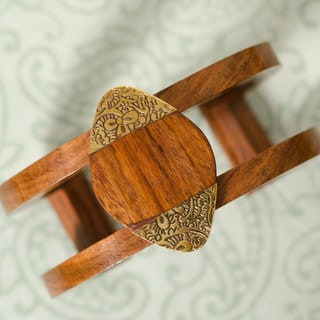 Oval Earth and Fire Cuff (India)