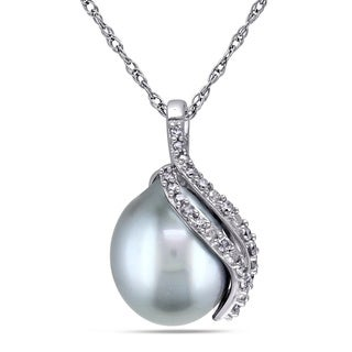 Miadora 10k White Gold Tahitian Pearl and 1/10ct TDW Diamond Necklace (G-H, I2-I3) (9-9.5 mm)