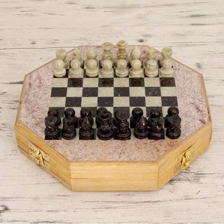 Handcrafted Soapstone 'Brilliancy' Chess Set (Small) (India)