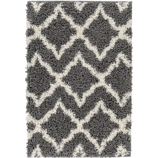 Well Woven Soft and Plush Diamond Links Grey Gold Polypropylene Rug (6'7'' x 9'10'')