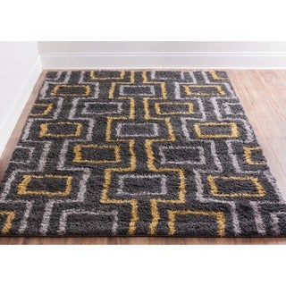 Well Woven Soft and Plush Boxes Lines Grey Gold Polypropylene Rug (6'7'' x 9'10'')