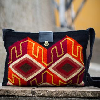 Handcrafted Wool 'Inca Perspective' Shoulder Bag (Peru)