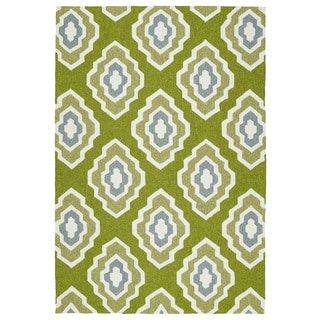 Handmade Indoor/ Outdoor Getaway Apple Green Geometric Rug (9' x 12')
