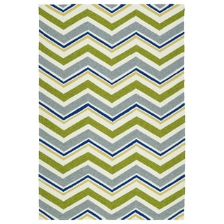 Handmade Indoor/ Outdoor Getaway Green Chevron Rug (8' x 10')