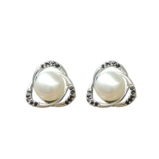 Freshwater Pearl and Black Spinel Stud Earrings (7-8 mm)