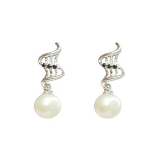 Freshwater Pearl and Spinel Rising Ashes Earrings (7-8 mm)