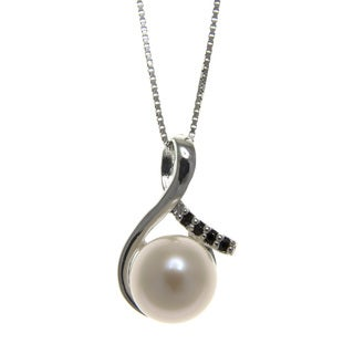 White Freshwater Pearl and Black Spinel 18-inch Necklace (8-9 mm)