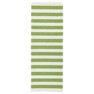 Handmade Indoor/ Outdoor Getaway Apple Green Stripes Rug (2' x 6')
