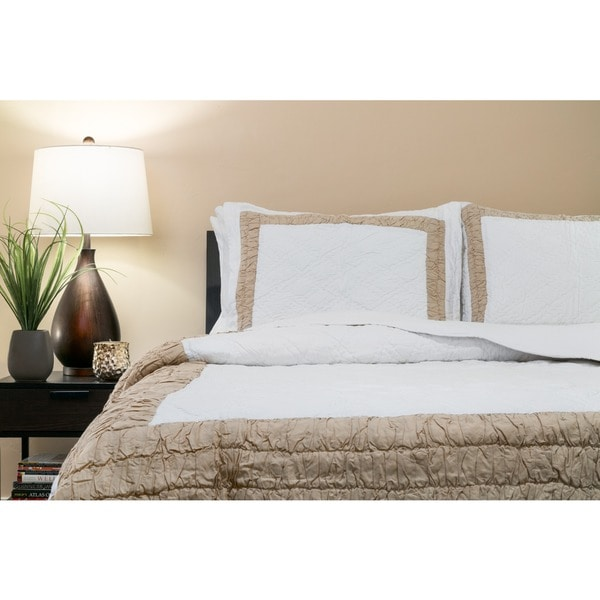 Handmade Vibrant 100-percent Cotton Quilt Set (India) 15285862