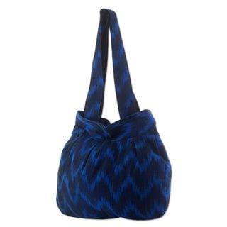 Handcrafted Cotton 'Midnight Blue Zigzag' Shoulder Bag (Guatemala)