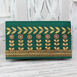 Handcrafted Embroidered 'Golden Bouquet' Clutch (India)