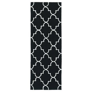 Indoor/ Outdoor Handmade Getaway Black Tiles Rug (2'0 x 6'0)