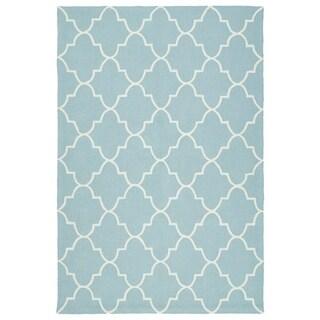 Indoor/ Outdoor Handmade Getaway Light Blue Tiles Rug (5'0 x 7'6)