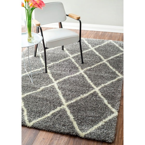nuLOOM Moroccan Diamond Ash Shag Rug (6'7 x 9') - (As Is Item)