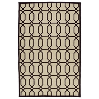 Indoor/Outdoor Luka Brown Geo Rug (7'10 x 10'8)