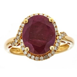 Anika and August 14k Yellow Gold Oval-cut Ruby 1/3ct TDW Diamond Ring (G-H, I1-I2)(Size 7)