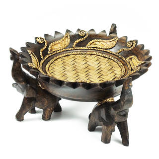Handmade Elephant Leaves Carved Rain Tree Circular Wooden Tray (Thailand)