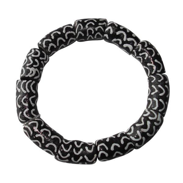 Black and White Recycled Glass Bracelet (Ghana)